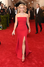Reese Witherspoon went for classic, no-frills elegance in a red Jason Wu strapless gown during the Met Gala.