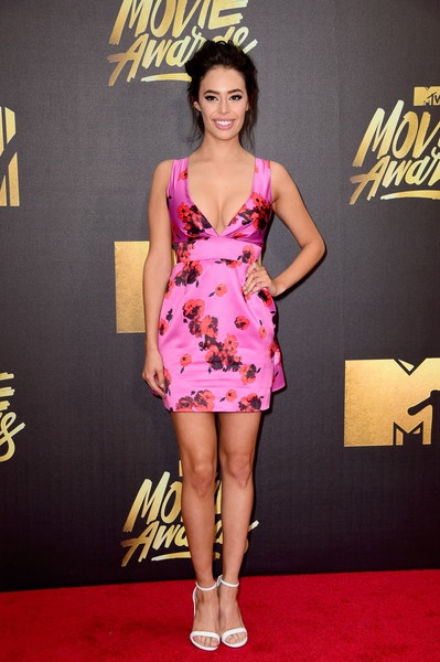 Chloe Bridges Print Dress [fashion model,clothing,red carpet,carpet,dress,cocktail dress,fashion,hairstyle,flooring,shoulder,arrivals,chloe bridges,mtv movie awards,burbank,pt,california,warner bros. studios]