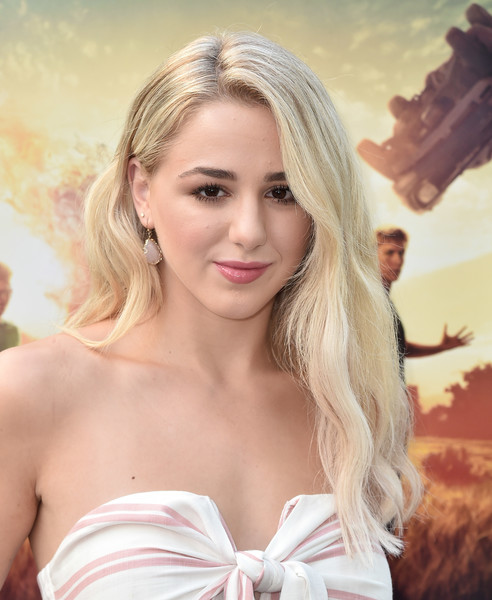 Chloe Lukasiak Long Wavy Cut