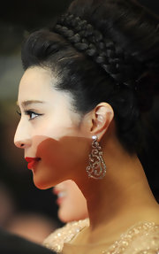 Giving her look the perfect finishing touch, Fan Bingbing wore swirled diamond earrings to the Cannes Film Festival.