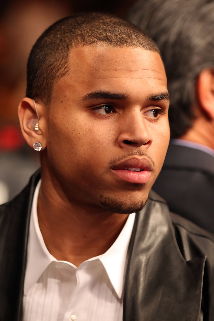 Chris Brown Is A Fan Of Bling Just Look At The Sparkling Diamond Stud He