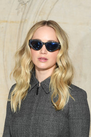 Jennifer Lawrence looked boho-cute with her center-parted waves at the Dior Fall 2019 show.