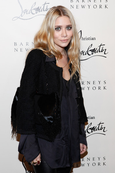 More Pics of Ashley Olsen Long Wavy Cut (1 of 19) - Ashley Olsen Lookbook - StyleBistro