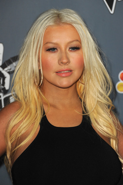 Christina Aguilera Long Wavy Cut