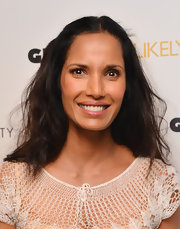 Padma's pretty pink lips showed off her pearly whites and gave her an au naturel feel.