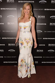 Abbie Cornish looked flawless in this fitted floral inkblot print design.