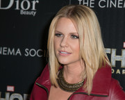 Carrie Keagan sported a trendy center-parted layered cut at the screening of 'Thor: The Dark World' in NYC.