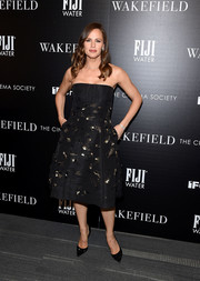 Jennifer Garner opted for a classic strapless dress with gold embellishments when she attended the screening of 'Wakefield.'