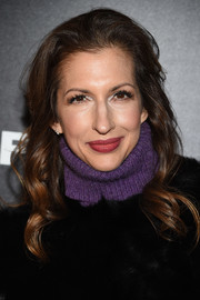 Alysia Reiner sported a gently wavy hairstyle at the premiere of 'Freak Show.'