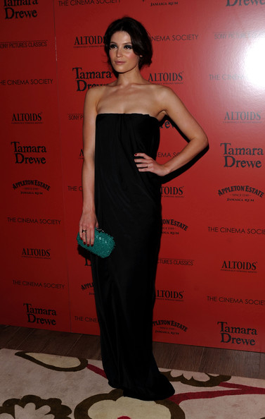More Pics of Gemma Arterton Box Clutch (1 of 21) - Gemma Arterton Lookbook - StyleBistro