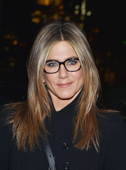 The always stylishly coiffed Jennifer Aniston framed her face with a perfect layered cut for the 'Cake' after-party.