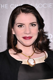 Stephenie Meyer's berry lips with a slight red undertone simply popped against her fair skin.
