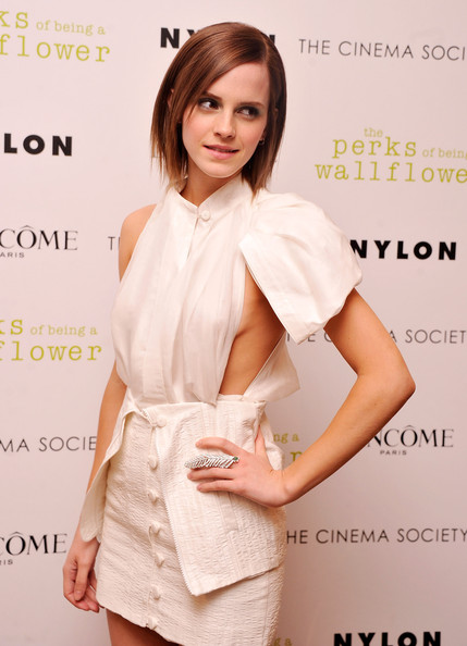 More Pics of Emma Watson Layered Razor Cut (1 of 10) - Emma Watson Lookbook - StyleBistro
