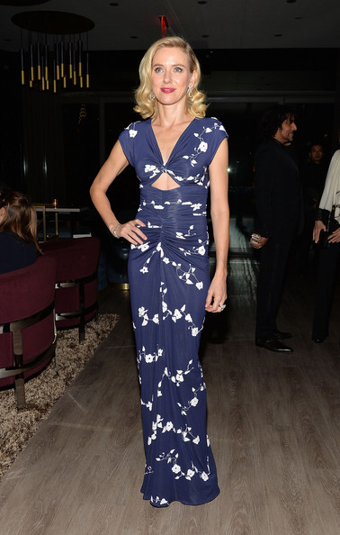 More Pics of Naomi Watts Medium Curls (1 of 4) - Naomi Watts Lookbook - StyleBistro