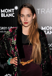We're totally envious of Jemima Kirke's long blonde locks and carefree, natural ombre color.