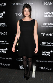 Gemma Arterton kept her evening look simple with this A-line LBD.