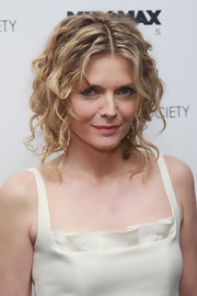 Michelle Pfeiffer sported a messy-glam look with these pinned-up ringlets at the screening of 'Cheri.'