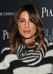 Jennifer Esposito showed off her soft highlights and perfectly cut layers.