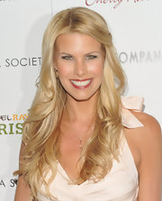 Beth Ostrosky-Stern attended a screening of 'Darling Companion' wearing her long blond locks in wavy layers.