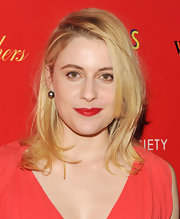 Greta Gerwig wore her shoulder-length locks in tousled layers while attending a screening of 'Damsels In Distress.'
