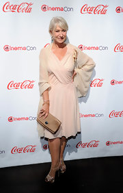 Helen looked elegant in a pink chiffon gown at the CinemaCon awards in Las Vegas.