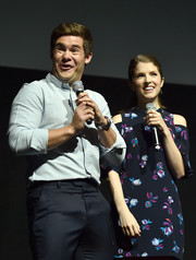 Anna Kendrick was cute and trendy in a floral cold-shoulder mini dress during CinemaCon.