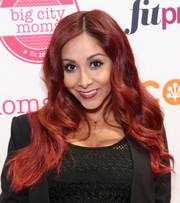 Nicole Polizzi sported fabulous red waves during the Big City Moms Biggest Baby Shower.