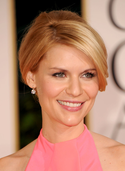 Claire Danes French Twist [hair,face,hairstyle,blond,eyebrow,chin,lip,beauty,skin,forehead,arrivals,claire danes,hotel,beverly hills,california,the beverly hilton,golden globe awards]