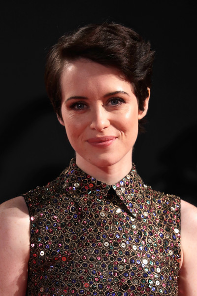 Claire Foy Short Side Part [hair,face,hairstyle,fashion,beauty,chin,eyebrow,lip,fashion model,haute couture,red carpet arrivals,claire foy,england,london,odeon leicester square,netflix,the crown season 2 world premiere,season]