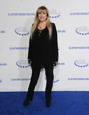 Shirred black pants added a dose of sexiness to Stevie Nicks' outfit.