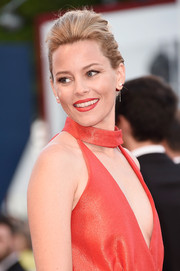 Elizabeth Banks kept it classic with this pompadour at the Venice Film Festival closing ceremony.