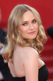 Diane Kruger always looks stunning on the red carpet. Her soft curls were breathtaking.