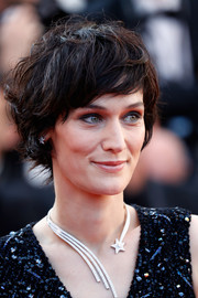 Clotilde Hesme pulled off this messy hairstyle at the 2017 Cannes Film Festival closing ceremony.