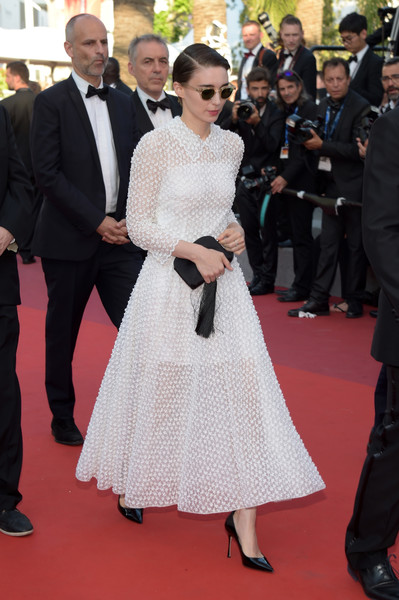 Rooney Mara looked downright darling in an embroidered white dress by Dior at the 2017 Cannes Film Festival closing ceremony.