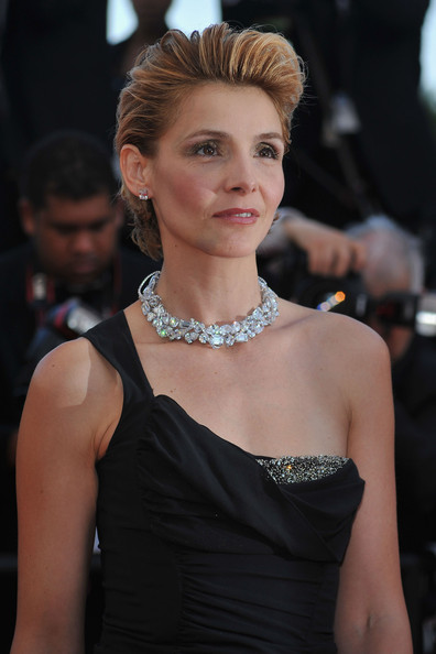 Clotilde Courau Diamond Choker Necklace [biutiful - premiere,hair,fashion model,hairstyle,shoulder,beauty,fashion,dress,lip,haute couture,blond,princess,clotilde courau,piedmont,venice,cannes,france,cannes film festival,biutiful premiere,palais des festivals]