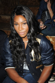 Serena Williams wore gorgeous flowing curls during the Coach 1941 fashion show.