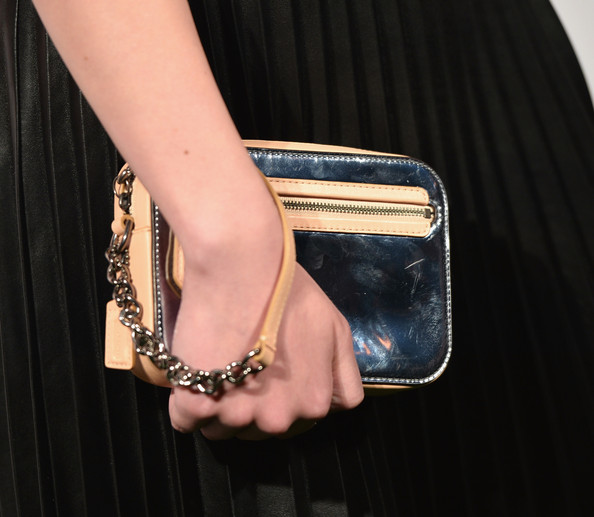 More Pics of Hailee Steinfeld Metallic Clutch (1 of 11) - Hailee Steinfeld Lookbook - StyleBistro