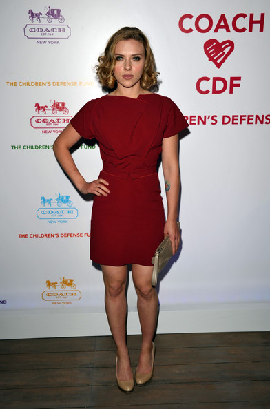 More Pics of Scarlett Johansson Short Curls (3 of 10) - Scarlett Johansson Lookbook - StyleBistro