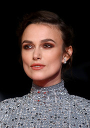 Keira Knightley's eyes looked so sexy thanks to her smoky makeup.
