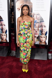 Naomie Harris brought an exuberant burst of color to the 'Collateral Beauty' world premiere with this strapless floral frock by Rosie Assoulin.
