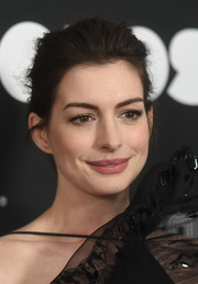 Anne Hathaway kept it low-key with this loose bun at the New York premiere of 'Colossal.'