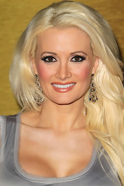 Holly Madison paired her platinum blond locks with ornate chandelier earrings.