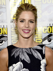 Emily Bett Rickards brushed her hair back into a classic ponytail for Comic-Con International 2016.