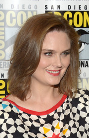 Emily Deschanel sported a tousled lob during Comic-Con International 2016.