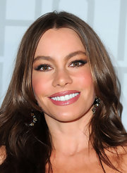 Sofia Vergara added a little spice to her look with fluttery false lashes.
