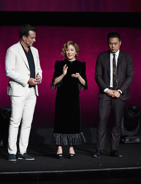 Constance Wu Platform Sandals [the big picture,warner bros. pictures invites you to,suit,event,performance,fashion,formal wear,stage,tuxedo,white-collar worker,performing arts,drama,jon m. chu,actors,constance wu,will arnett,slate,l-r,cinemacon,convention]