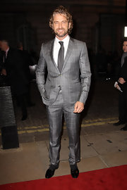 Gerard Butler looked dapper in a sleek gray suit for the 'Coriolanus' premiere.