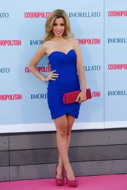Natalia showed off her curves at the 'Cosmopolitan' Fragrance Awards where she wore this electric blue strapless dress.
