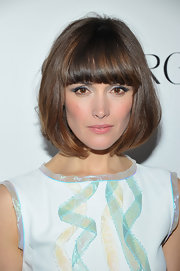 Rose Byrne attended the 'Cosmopolitan' Fun Fearless Men and Women event wearing soft gray-blue shades of eyeshadow.
