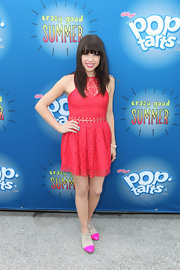 Carly was a doll in this hot pink lace number with neon-tipped oxfords.